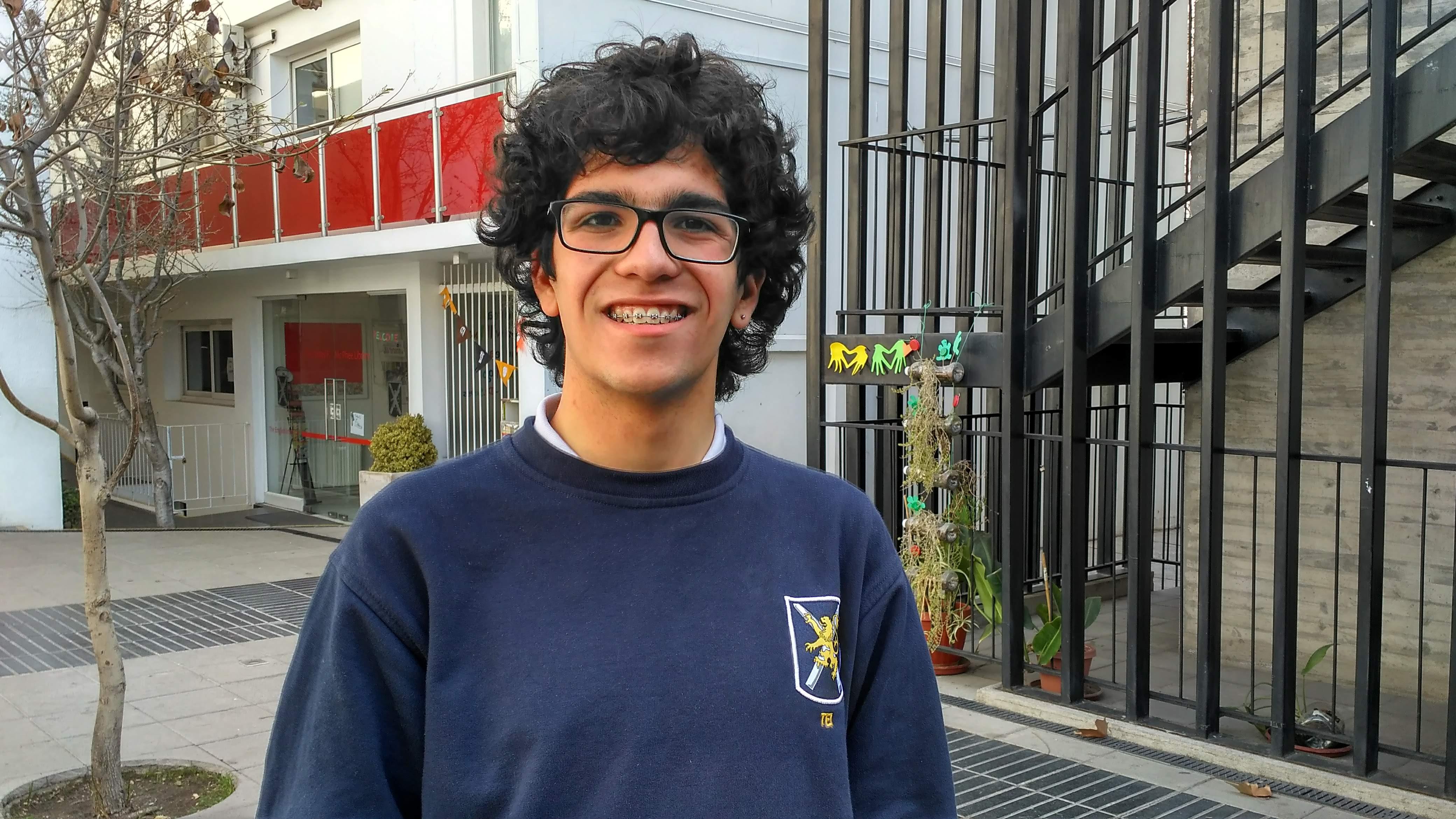 Estudiante de II° Medio participó en Olimpiada de Informática en Azerbaiyán