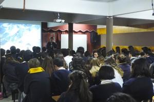 III° y IV° Medios participan en conversación con Rodrigo Jordán